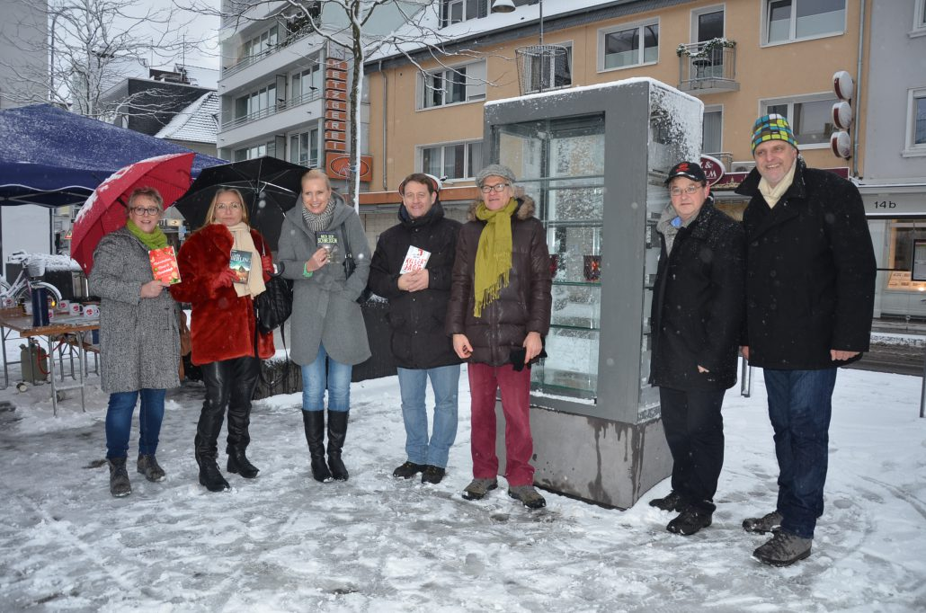 Der offene Bücherschrank wird zum Tatort – Einweihung einer neuen ...